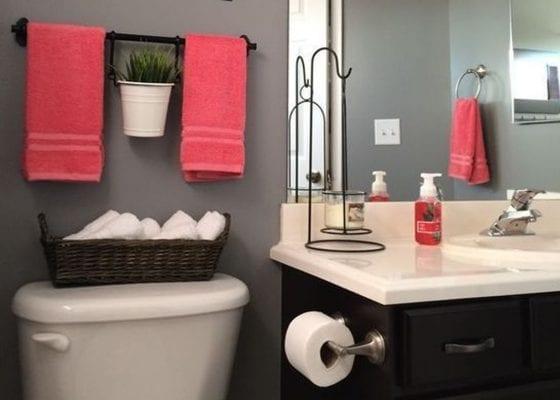 Bright accessories for a bathroom lift