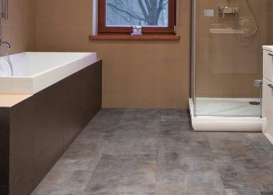 Stone floor ideas for a guest bathroom