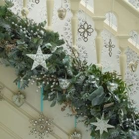 Stairway garland decoration
