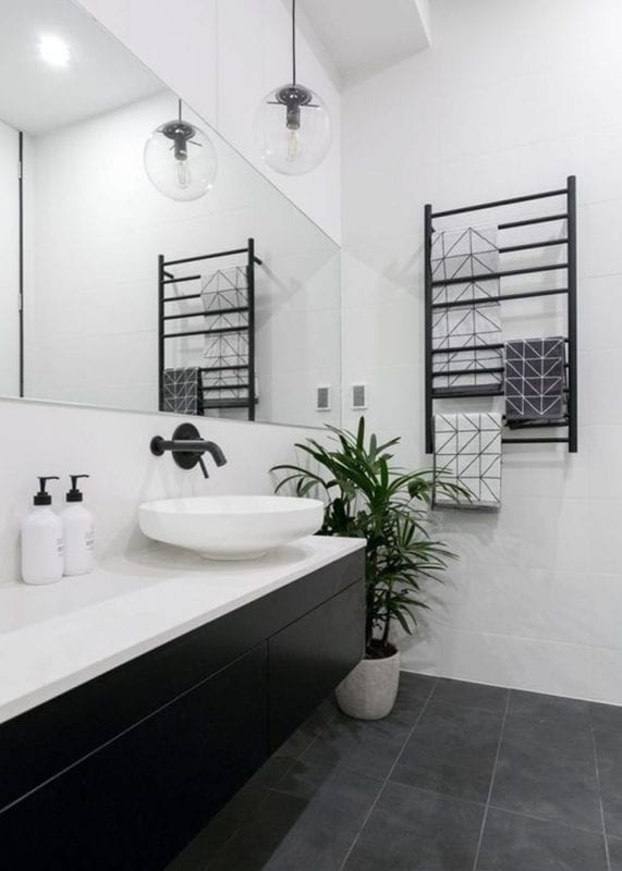 Bathroom design ideas: while walls and dark floors